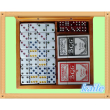 Domino game set