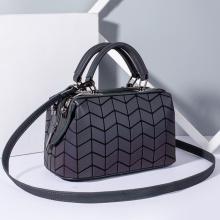 Изготовленная на заказ кожаная сумка-наволочка из искусственной кожи с геометрическим рисунком, светящиеся сумки