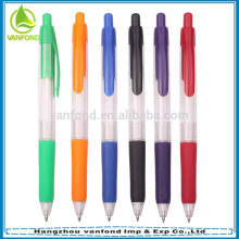pluma de plástico insignia de precio más barata con empuñadura de goma