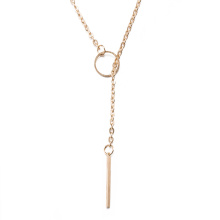 Europe Fashion Vente chaude Collier en alliage de zinc Collier simple design femme Collier plaqué or
