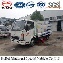 4cbm HOWO Street Road Sweeper Truck Euro 4 with Good Quality