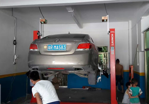 Smart Test Wheel Alignment Machine