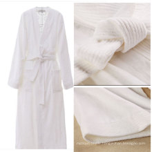 Hot Sale Coral Fleece Hotel Bathrobe (DPFT8070)