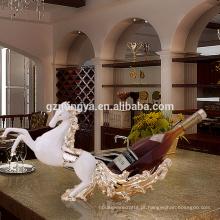 Casa casa mobiliário ornamento dcecoração resina ornamento cavalo ornamentos de vinho tinto artesanato