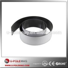 Imán de goma flexible de respaldo de brillo blanco utilizado para sellos de puerta