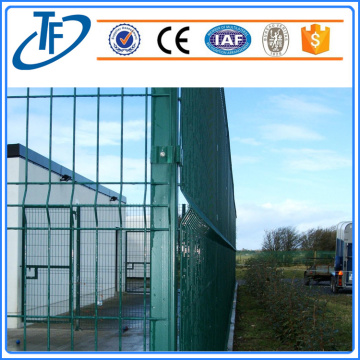 2018 Square post welded wire mesh fence