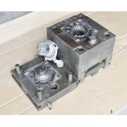 Aluminum alloy die casting mold and die casting aluminum parts