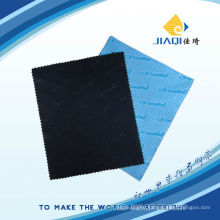Non-slip microfiber cleaning cloth