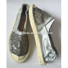 Chaussures en cuir PU en espadrille en cuir avec un slip élastique sur semelle de jute en caoutchouc