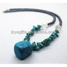 Synthetische Türkis-Chip-Halskette mit getrommelte Türkis-Anhänger
