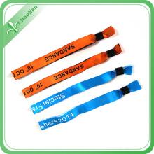 Bracelets sublimés de tissu de conception colorée pour l'événement musical