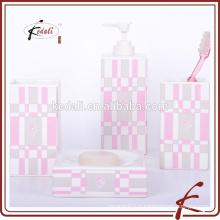 Stock Accessoires de salle de bains en céramique