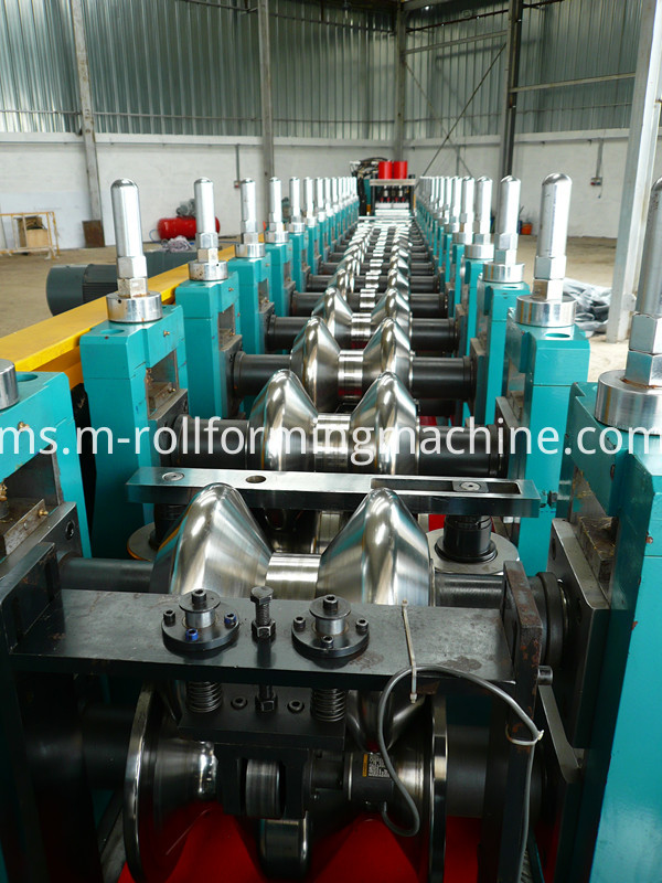 Two wave highway guardrail production making forming line (2)