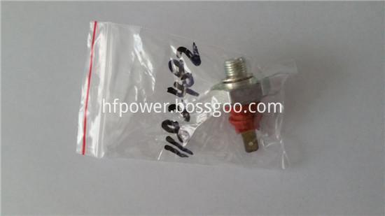 2011 oil pressure sensor 01182482