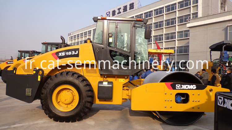 China-18t-Steam-Road-Roller-XS183J