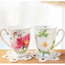 China Diseño de flores Copa Parejas Copa de porcelana clásica Copa de cerámica