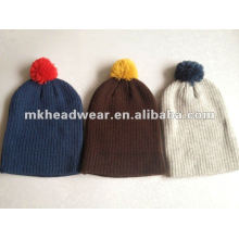 100% acrylic machine knitted beanie with pompom