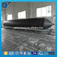 Estaleiro uso barco Underwater transportando airbag