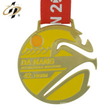 Chine logo promotionnel personnalisé en alliage de zinc métal or médailles de sport