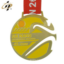 China promotional custom logo zinc alloy metal gold sports medals