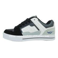 sapatos de skate dos homens