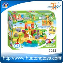 Nuevo llega los bloques huecos plásticos de los niños DIY del parque 63Pcs