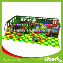 Indoor climbing structure with indoor trampoline inside 5.LE.T6.411.020.01