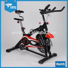 Bicicleta de exercício do medidor como visto na aptidão da tevê