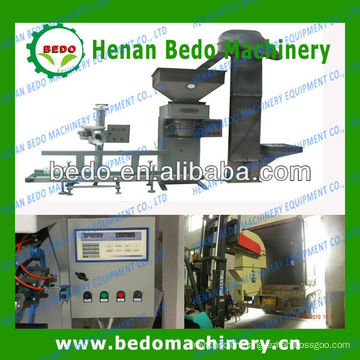 2013 The most popular Bedo brand sawdust pellet bagging machine008613253417552