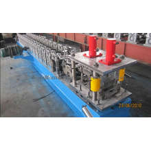 Rolltor-Rollenformmaschine