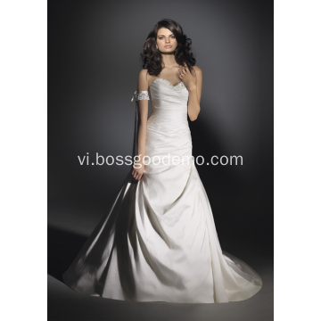 Trumpet Nàng tiên cá Train Satin Beading Wedding Dress