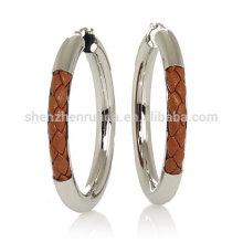 Vente en gros bracelet en cuir tressé en marron boucles d'oreille en acier inoxydable pour fournisseur de bijoux féminins