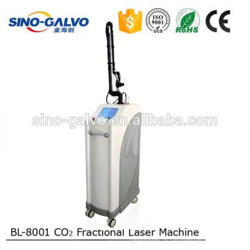 Máquina fracionária portátil do branqueamento da pele do CO2 multifractional do RF do centro médico do salão de beleza