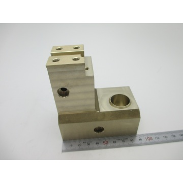 Torno de metal modificado para requisitos particulares del CNC del diseño