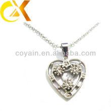 China alibaba Colgante de joyería de acero inoxidable, colgante de encargo de las mujeres del rhinestone del corazón del corte
