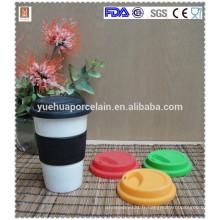 Tasse en céramique à double paroi populaire avec couvercle en silicone