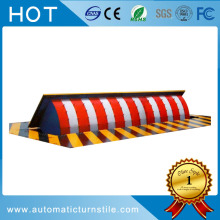 Parking stopper hydraulic anti-crash automatic road blocker