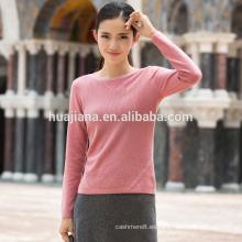 suéter simple de la mujer que teje de la cachemira