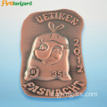 Badge Badge con logo metallico con placcatura