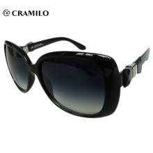 Klassische Sonnenbrille mit klassischem Rahmen
