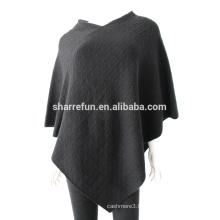 Usine en gros câble tricoté Poncho Cachemire des dames et enveloppements avec prix