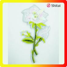 China for Custom Shirt Patches White flower with sequins supply to South Korea Exporter
