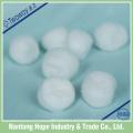 Bola de algodão descartável estéril ou não estéril do algodão 100%, bom absorvente,