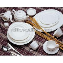 Chargeur de porcelaine blanc populaire et populaire en gros, set de dîner d'hôtel