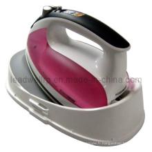 Moulage par injection complexe pour les pièces de ménage en Chine (LW-03698)