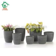 Pots à fleurs en céramique glacé à l'intérieur