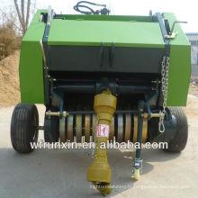 Petite presse à foin automatique avec tracteur pour paille de tiges d'herbe
