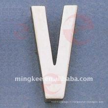 """Accessoires décoratifs pour sac à main """"V"""" (O34-672A-V)"""