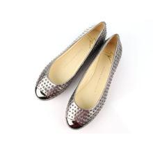 2016 nuevas señoras de la moda tachonado zapatos planos (Hcy02-069)