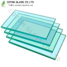 Abgeschrägtes Glas für die Tischplatte